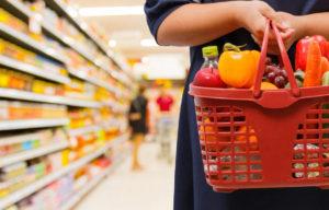 Власти Крыма рассказали, хватает ли в магазинах продуктов